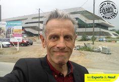 #immobilier #Montpellier EXPERTS DU NEUF a noté J-1 pour l'ouverture du bureau de vente… Bulle posée… Mobilier livré… Et derrière moi l'emplacement !