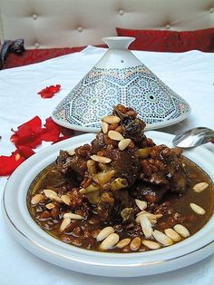 salade pomme de terre, aubergine frit, poisson avec poivron vermicelle-Mrouziya Moroccan tajine