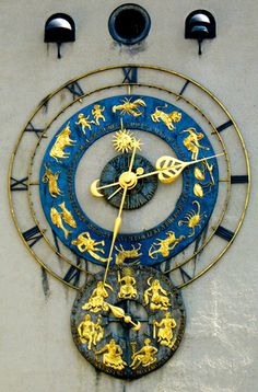 Clock on the German Museum in Munich.