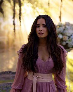 demi lovato, ddlovato e demetria devonne lovato imagem no We Heart It Camp Rock, Selena Gomez, Demi Lovato Pictures, Non Blondes, Woman Crush, Girl Crushes, Role Models, Girl Models, Idol