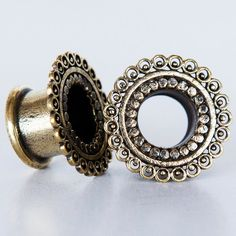 Brass Tunnel - Piercing Tunnel - Ear Tunnel - Brass Plugs - Brass Tunnels - Ear Plugs - Piercing Plugs - Ear Gauges  New in my brass antique look collection. a brass tunnel nickel free .  Will look grate with a brass earring going through the tunnel . $16