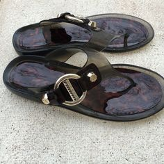 Stuart Weitzman Jelly Tortoise Sandal Nwob Weitzman Sandal! Perfect for any outfit! Size 7 Stuart Weitzman Shoes Sandals