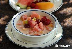 Görög gyümölcsleves Fruit Recipes, Soup Recipes, Hungarian Recipes, Hungarian Food, Fruit Salad, Acai Bowl, Watermelon, Panna Cotta, Oatmeal