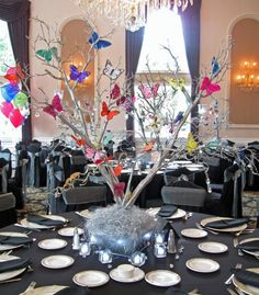 Butterfly Party & Shower Theme Ideas - Centerpieces by Balloon Artistry - mazelmoments.com