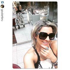 Nossa cliente Bruna Goulard escolhendo seu novo Chanel! #linda #oticaswanny #clientewanny #amamos #wanny