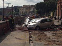 Lungarno opposite the Uffizi collapsed