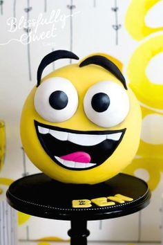 Smile birthday cake / Blissfully sweet cakes