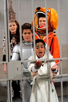 5 Things You Need to Know About Karan Brar's Guest Spot on 'Lab Rats' + a Sneak Peek at Tonight's Episode! Old Disney, Disney Xd, Dylan O'brien, Mega Med, Lab Rats Disney, Chase Davenport, Billy Unger, Karan Brar, Mighty Med