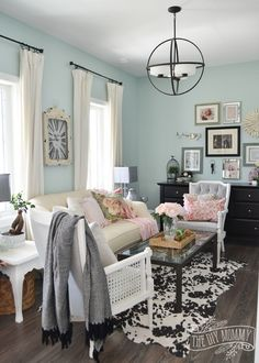2016 Spring Home Tour: Nature Inspired Vintage Farmhouse Decor | The DIY Mommy