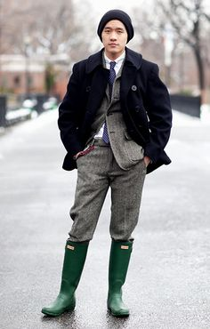 Men's Fashion Men's Fashion Articles and Men's Fashion Tips For 2013 Cheap Boots, Cool Boots, Mens Rain Boots, Wellies Boots, Hunter Wellies, Ugg Boots, Hunter Boots Outfit, Country Wear, Country Life