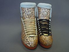 The 2010 Fusion has a wild side! These Riedell skates were custom built for a coach in Chicago's urban jungle. Which color laces bring the cheetah print to life?