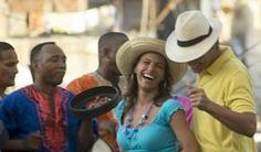 #cuba #turismo #Carnaval Acuático deviene fiesta popular santiaguera. Con el ritmo de la contagiosa conga santiaguera y el desfile de coloridas embarcaciones, arrancó el Carnaval Acuático 2012, en esta ciudad, convertido en una fiesta para el disfrute de la población.