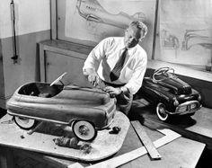 Viktor Schreckengost: America's DaVinci  Viktor carving clay model of a pedal car for Murray-Ohio, 1948