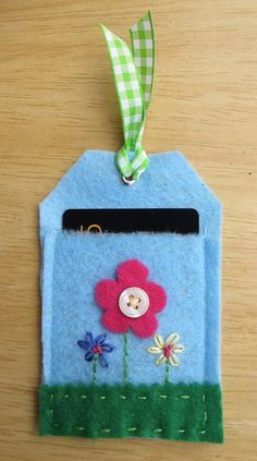 Felt Flower Gift Card Holder would be nice with 3d felt rose
