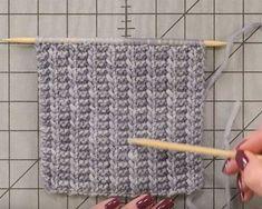 This One-Row Scarf Is So Fun To Knit Crafty House * dieser einreihige schal macht so viel spaß, crafty house zu stricken * cette écharpe à une rangée est si amusante à tricoter crafty house Knitting Stiches, Easy Knitting Patterns, Loom Knitting, Knitting Needles, Free Knitting, Knit Stitches, Free Scarf Knitting Patterns, Knitting Ideas, Knitting Terms