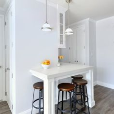 20 Small Eat-In Kitchen Ideas and Tips Dining Chairs Decor, Transitional Kitchen Design, Transitional Kitchen, Eat In Kitchen, Dining Chairs, Kitchen Remodel Small, Kitchen Remodel, Kitchen Design, Home Decor
