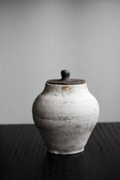 tea container by Yoshiaki Nagashima