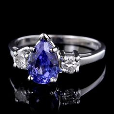 White Gold Estate Tanzanite and Diamond Ring Emerald Ring Gold, Pearl And Diamond Ring, Tanzanite Ring, White Gold Diamonds, Diamond Cuts, Jewelry Collection, Vintage Jewelry, Bling, Queen
