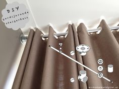 DIY curtain rod of scaffolding tube Awesome Bedrooms, Nice Bedrooms, Scaffold Tube, Kindergarten, Daughters Room, Diy Curtains, Kidsroom, New Furniture, Curtain Rods