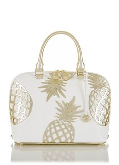 Cute pineapple bag for summer! Pineapple Clothes, Pineapple Jewelry, Cute Pineapple, Beautiful Bags, Purses And Bags, Fashion Accessories, Handbags, Shoe Bag, Shoulder Bag