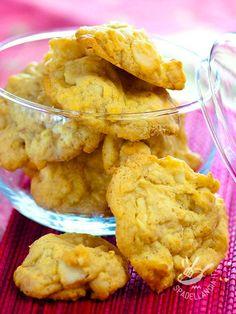 I Biscotti ai corn flakes sono dolcetti croccanti amatissimi anche dai bambini. Ottimi per la prima colazione o per una merenda molto golosa! #biscotticornflakes