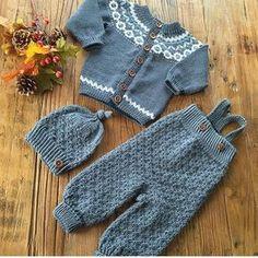 Synes Godt Om, 48 Kommentarer – K Lillemorlue - Diy Crafts Knitting For Kids, Baby Knitting Patterns, Baby Patterns, Suit Pattern, Romper Pattern, Baby Outfits, Kids Outfits, Pinterest Baby, Baby Friends