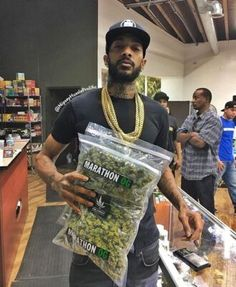 Sour Diesel a Potent Sativa Strain - Denver Flavours Marijuana Plants, Weed Drug, Weed Buds, Cannabis Seeds For Sale, Weed Types, Weed Shop, Weed Edibles