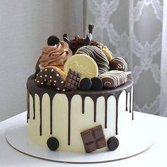 Especially beautiful cream cake, so beautiful! Especially beautiful cream cake, so beautiful! Especially beautiful cream cake, so beautiful! Candy Birthday Cakes, Pretty Birthday Cakes, Pretty Cakes, Drippy Cakes, Best Birthday Cake Recipe, Fig Cake, Cake Decorating Designs, Crazy Cakes, Chocolate Desserts