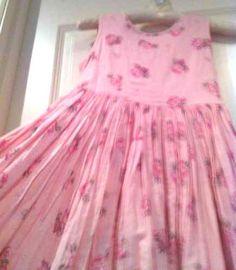 ADORABLE DRESS!   Flower girl ready.  Sweet roses.  Pink flower fresh vintage look.  High Quality Monsoon girl dress.