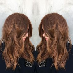 "2017's Biggest Hair Colour Trend: Hygge #refinery29  http://www.refinery29.uk/new-hair-colour-trends#slide-11  Nine Zero One colourist Tabitha Dueñas calls this look ""bronzed copper"" — and we call it downright gorgeous. Into red that still works for every part of your life, including an office job? Bring this picture to your stylist...."