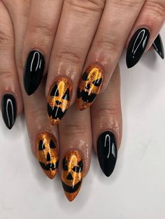 Check out our tips for applying top Halloween nail ideas in 2019 between pumpkin nails, candy corn nails, spider web nails, Halloween press on nails, & stickers Halloween Press On Nails, Cute Halloween Nails, Halloween Nail Designs, Fall Nail Designs, Halloween Ideas, Gothic Halloween, Halloween Decorations, Candy Corn Nails, Cotton Candy Nails