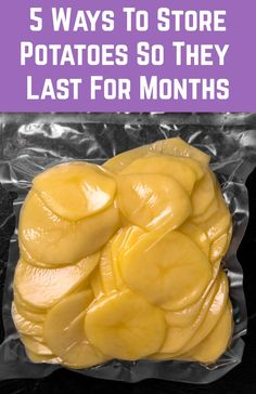 Whether you've grown an abundance of potatoes, or you've got too excited at the farmers' market, here's how to store your potatoes so they last for many months. Freezing Vegetables, Canning Vegetables, How To Store Potatoes, Storing Potatoes, Canning Potatoes, Canning Food Preservation, Preserving Food, Food Saver Vacuum Sealer, Frozen Potatoes