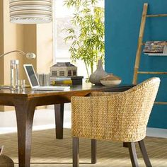 Meg-Made Creations: Decorating with Accent Colors - Accent Color and DecoratingIdeas for Painted Rooms Blue Accent Walls, Taupe Walls, Accent Colors, Blue Ceiling Paint, Small Space Living, Living Spaces, Painting Trim, House Colors, Paint Colors