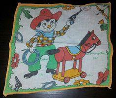 Todos teníamos algún pañuelo de tela decorado con motivos infantiles.