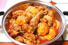 닭볶음탕 황금레시피, 닭도리탕 황금레시피, 닭볶음탕 만들기 칼칼하고 매운 것이 땡길 땐 닭도리탕(닭볶음... Food Design, K Food, Cooking On The Grill, Korean Food, Soups And Stews, Soul Food, Curry, Food And Drink, Cooking Recipes