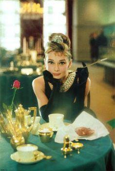 Audrey Hepburn hair style - audrey-hepburn-breakfast-at-tiffanys.jpg
