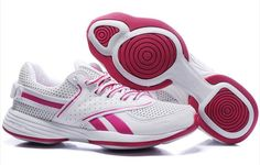 ⚾ ⚾ ⚾ Beautiful and functional Reebok tennis shoes! Gold Shoes, Pink Shoes, Air Max Sneakers, Sneakers Nike, White Reebok, Jogging Shoes, Bridesmaid Shoes, Trail Running Shoes, Sports Shoes