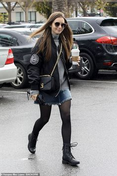 The actress, looked every inch the trendsetter as she grabbed a cup of coffee in gloomy Los Angeles on Friday. The Stuck In Love actress paired her fringe skirt with black tights. Lily Collins Casual, Lily Collins Hair, Lily Collins Style, Winter Outfits, Cool Outfits, Casual Outfits, Paris Outfits, Estilo Hipster, Actrices Hollywood