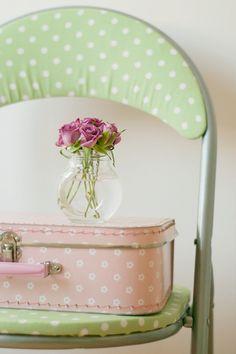 Soft Colors, Pastel Colors, 2 Colours, Soft Pastels, Pastel Shades, Polka Dot Chair, Estilo Shabby Chic, Purple Home, Vintage Stil