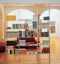 Libreria K2 Kriptonite a pressione tra pavimento e soffitto