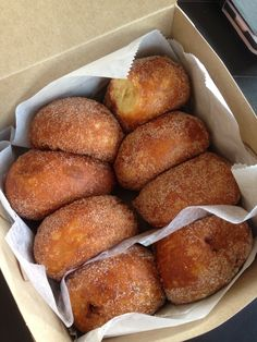 10 things to eat in Oahu Hawaii (pictured: Malasadas)