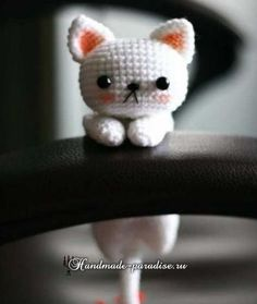 Котенок амигуруми. Игрушка крючком (1) Crochet Cat Pattern, Cute Crochet, Crochet Crafts, Crochet Dolls, Crochet Projects, Crochet Baby, Crochet Patterns, Amigurumi Patterns, Amigurumi Doll