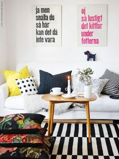 Great mix of pillows + cheerful color palette. And that Ikea rug again. My Living Room, Home And Living, Living Room Decor, Living Spaces, Living Room Inspiration, Interior Inspiration, Rug Inspiration, Interior Ideas, Ikea Stockholm Rug