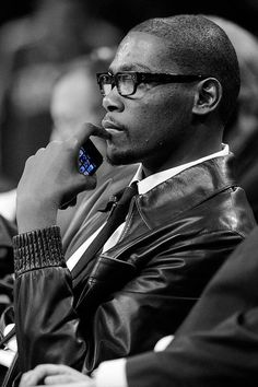 Kevin Durant sure pulls off the hipster look better than any African American in the NBA.