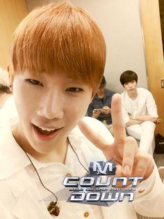 140522 Infinite Selca @ Mnet M! Countdown : Sungkyu