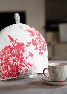 Quilted Christmas Tea Cozy, Cardinals, Tea Pot Mat, Trivet, Winter ... : quilted tea cosy - Adamdwight.com