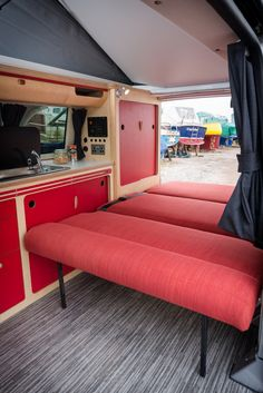 VW Cambee Doubel Rock And Roll Bed X Positioning Of Fittings In Van