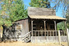 Oregon has the most ghost towns than any other U.S. state. There are over 60 ghost towns in Oregon from abandoned logging camps to deserted gold mining towns. (History By Zim)