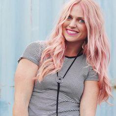 Pastel pink hair | Schwarzkopf BlondeMe Strawberry Toner | #pinkhair #pastelhair |#hair