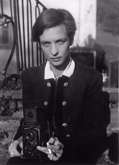 23 Amazing Black and White Photographs of Annemarie Schwarzenbach Taken by Marianne Breslauer During the 1930s